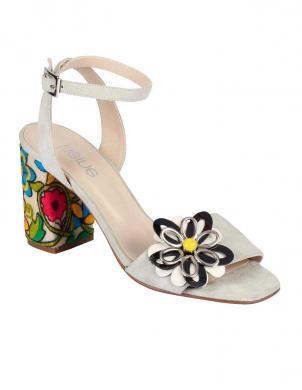 Krēmīgas krāsas ādas sieviešu sandales HEINE