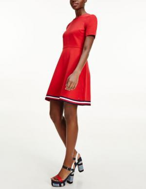 TOMMY HILFIGER sarkana paplatināta īsa kleita