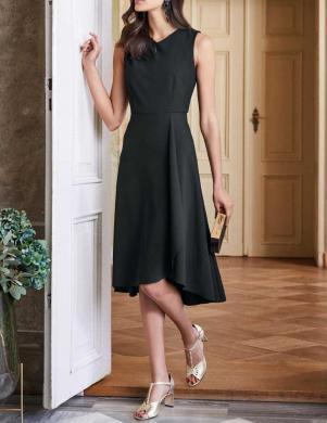 Melna kleita ar kroku detaļām HEINE