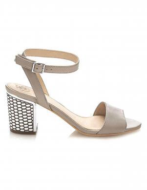 Sieviešu smilšu krāsas ādas sandales GUESS