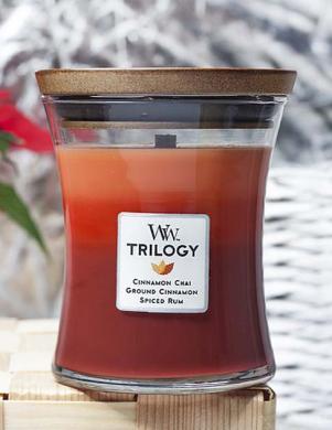 WOODWICK TRILOGY EXOTIC SPICES vidējā lieluma svece